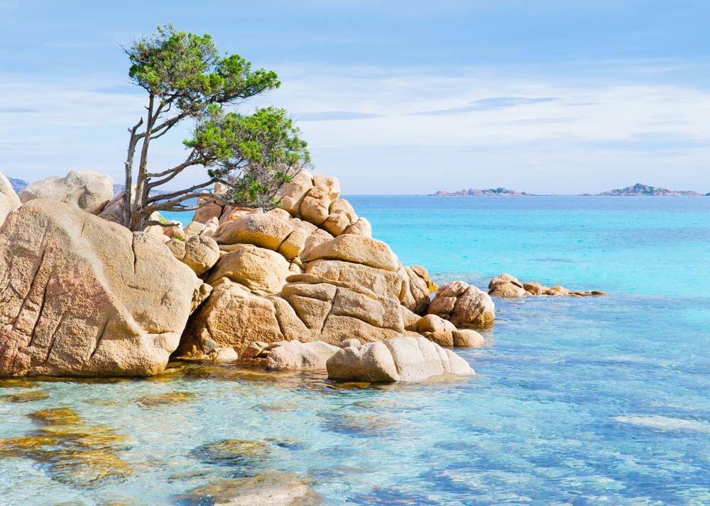 La Sardegna Spiagge Bianche E Mare Cristallino The Mode